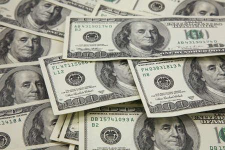 subsidize: Banknotes in 100 US dollars have put the friend on the friend
