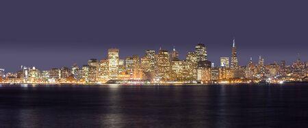 A panorama photo of San Francisco at night time