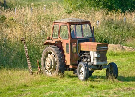 Old tractor Stock Photo - 5498341