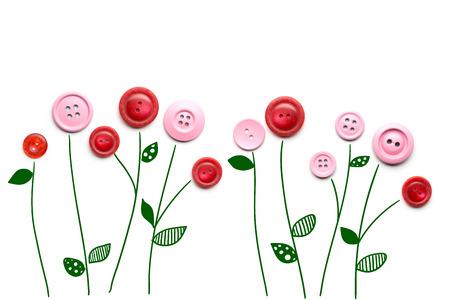 크리 에이 티브 발렌타인 개념 꽃의 사진 흰색 배경에 단추했다.