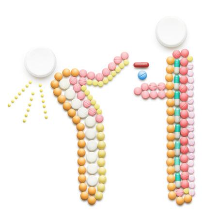 vacunacion: concepto de salud creativa hecha de medicamentos y pastillas, aislado en blanco. Una persona que llamó un resfriado, los estornudos y la propagación de la enfermedad mientras está de pie cerca de otra persona.