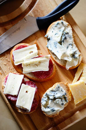 parmezan: Sandwiches with gorgonzola, brie and salami