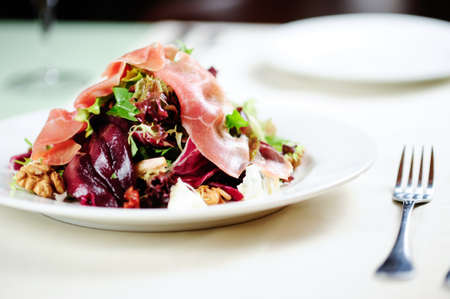 salad with prosciutto and beetroot