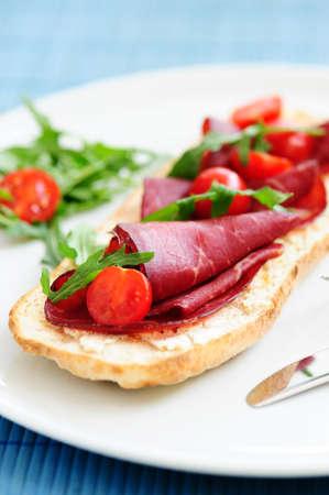 bruschetta with prosciutto