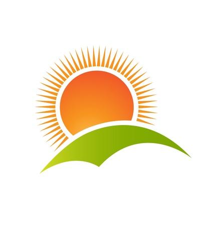 montañas caricatura: Sol y montaña colina vector logo