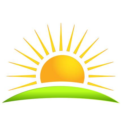 el sol: Colina verde con el icono del vector sol logo Vectores