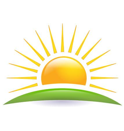 groene boom: Groene heuvel met zon logo vector icon Stock Illustratie