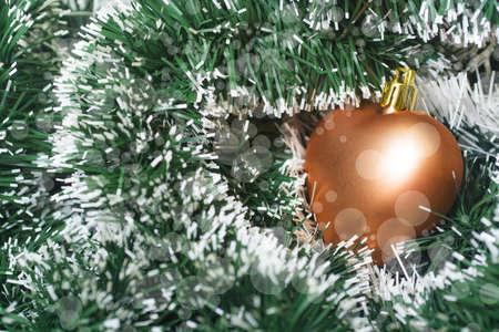 color in: Los juguetes de Navidad de color oro en oropel