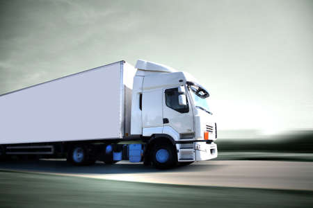 truck on highway: puissance Stock Photo