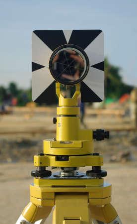 theodolite: ingeniero y la arquitectura de la c�mara teodolito amarilla Foto de archivo