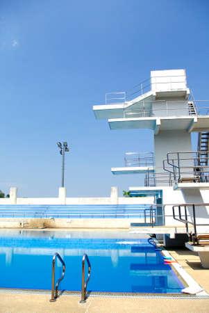 piscina olimpica: Estándar Piscina Olímpica y el buceo de la piscina