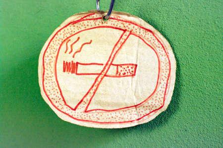 non smoking: non smoking sign illustration hand drawn