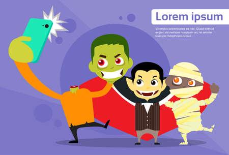 telefono caricatura: Ilustración de Halloween selfie Foto Móvil de dibujos animados del vampiro del zombi momia plana vectorial
