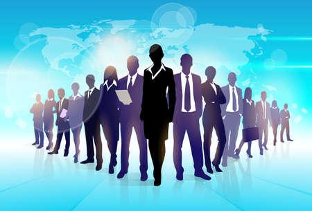 Hommes d'affaires équipe Foule Marche Noir Silhouette Concept entrepreneurs Ressources Humaines du Groupe sur la carte mondiale de fond vecteur Illustration