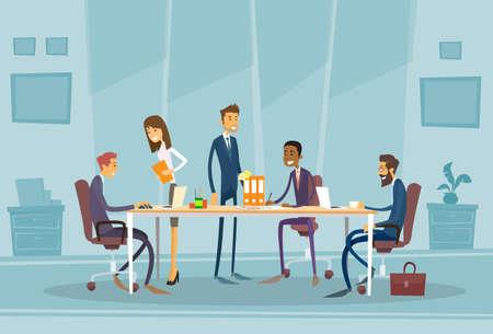 trabajo en oficina: Gente de negocios reunión discutiendo Escritorio Oficina de gente de negocios trabajando Ilustración plana