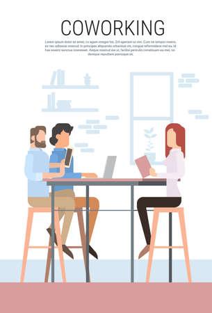 Creative Office Co-working Center Mensen Zitten Bureau Working Together, studenten University Campus Flat Vector Illustration Vector Illustratie