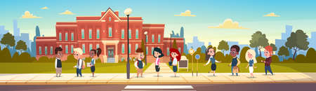 Group Of Pupils Mix Race Stand In Front Of School Building Primary Schoolchildren Talking Students Flat Vector Illustration Ilustração