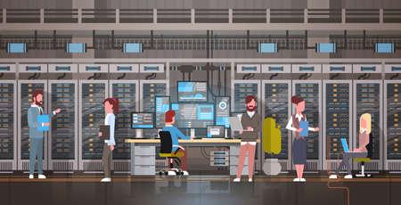 la gente que trabaja en el servidor de datos de la sala de seguridad de la computadora móvil de la construcción de datos de la tecnología de la ilustración del Ilustración de vector