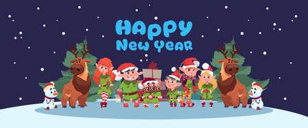 Lindo Elfs y Santa Deer en la tarjeta de felicitación de feliz año nuevo Feliz Navidad Holiday Concept la ilustración vectorial plana Foto de archivo - 87616585