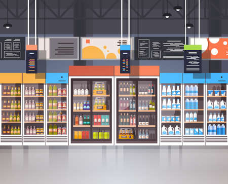Supermercado interior tienda minorista con surtido de comestibles en estantes ilustración vectorial plana