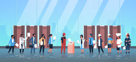 concepto del día de las elecciones, diferentes ocupaciones, votantes que emiten papeletas en el lugar de votación, mezcla de personas de raza, poniendo papeleta en la caja, cabinas de votación, pasillo, interior, longitud completa, plano, horizontal, vector, ilustración Ilustración de vector