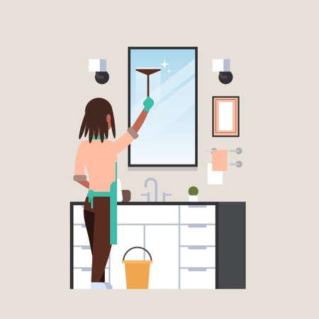 Hausfrau in Handschuhen und Schürze Reinigungsspiegel mit Rakel Afroamerikanerin im Badezimmer macht Hausarbeit Konzept Rückansicht weibliche Figur in voller Länge Vektor-Illustration Vektorgrafik