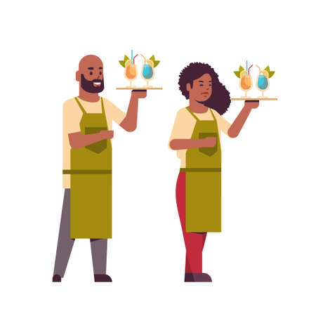 professional waiters couple holding serving trays with cocktails african american man woman restaurant workers in uniform carrying different alcohol drinks flat full length white background vector illustration Foto de archivo - 129397488