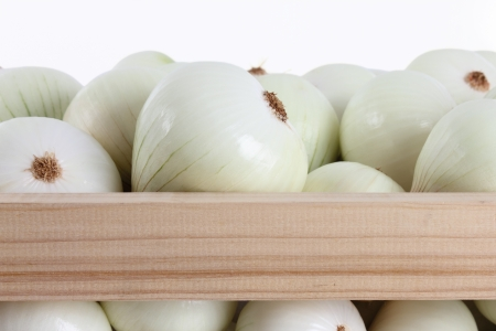 onions group within a box on a white backgrounds 版權商用圖片 - 14769343