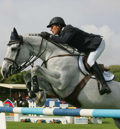 VIMEIRO, Portogallo - 5 giugno: Equitazione International Show Jumping 3 *-Pedro Veniss (BRA) 5 giugno 2010 Vimeiro, Portogallo