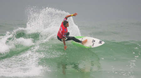 asp: FIGUEIRA DA FOZ, PORTUGAL - SEPTEMBER 17 : Marc Lacomare (FRA) in ASP World Qualifier 6 stars Lusiaves Figueira Pro 2010 September 17, 2010 in Figueira da Foz, Portugal