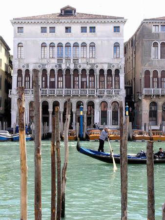 ヴェネツィア、大運河のゴンドラで表示 写真素材