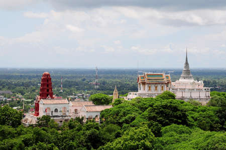 Thai pagoda sulla collina, Petchburi, Thailandia