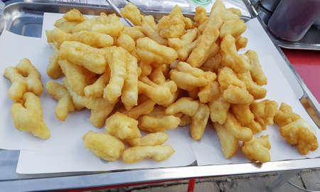 bastone di pasta fritta o Thai chiamati Patongko (cibo di strada famoso in Thailandia)