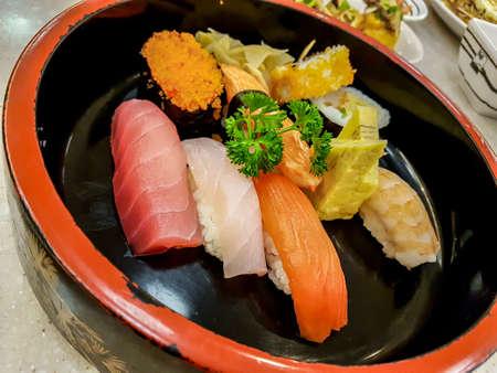 Insieme del giapponese alimentare sushi