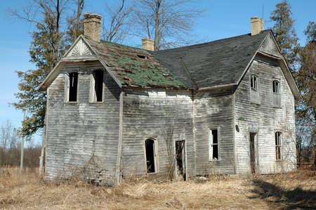 old barn: vecchia casa Homestead a decadimento Vettoriali