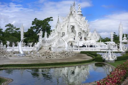 unconventional: Tempio Bianco. Tempio buddista convenzionale Contemporanea di Chiang Rai Archivio Fotografico