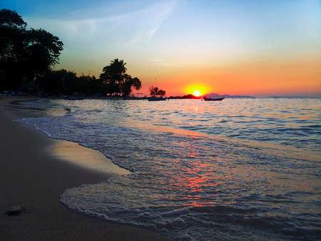 amat: Evening on Wong Amat Beach, North of Pattaya City, Thailand Stock Photo