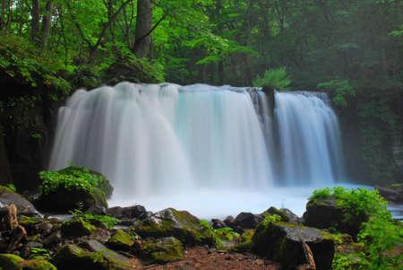 Side view of a majestic waterfall Zdjęcie Seryjne