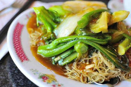 hoon: Chinese traditional bee hoon set meal with healthy vegetables.
