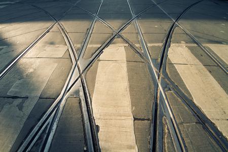 paso de peatones: tram rails on pedestrian crosswalk