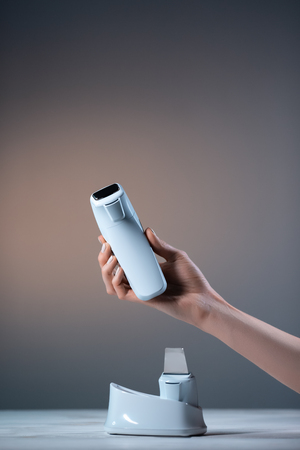 hand keep ultrasonic sound cleansing device for dermatologic skin care