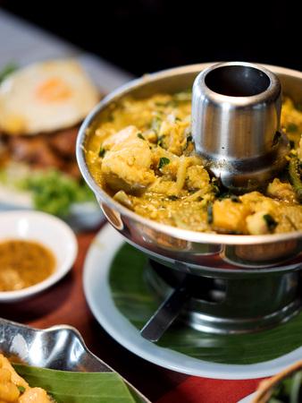 Cambodjaanse curry vissensoep Stockfoto