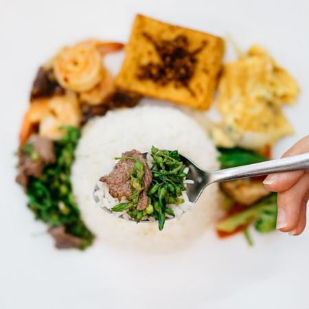 Vietnamese rijst met rundvlees en groenten Stockfoto