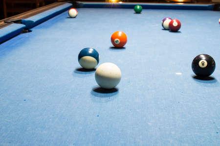 9 ball billiards: snooker ball