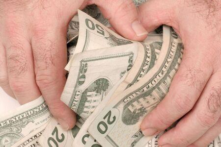 winner pulls in his cash pot