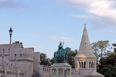 matthias: Fishermans tower and king Matthias statue Budapest