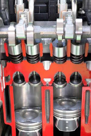 pistones: pistones y v�lvulas de motor de coche