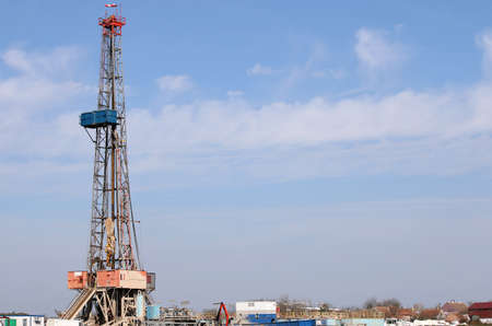 Land oil drilling rig gas extraction