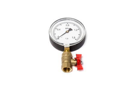 Manometer connected to the ball valve