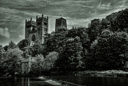 durham: The Cathedral Church of Christ, Blessed Mary the Virgin and St Cuthbert of Durham (usually known as Durham Cathedral) is a cathedral in the city of Durham, England Stock Photo